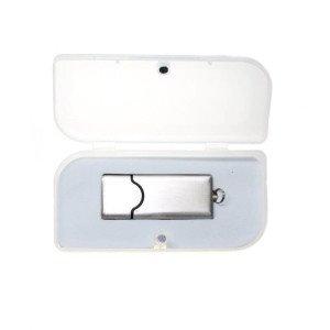 Plastová krabička na USB s magnetickým zatváraním