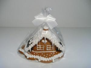 Malý domček z perníkov, zdobený